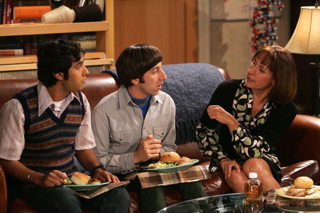 Da Sheldon von seinen Experimenten so überzeugt ist, hilft nur noch die Unterstützung von seiner Mutter Mary (Laurie Metcalf, r.) ihn wieder zur V... - Bildquelle: Warner Bros. Television