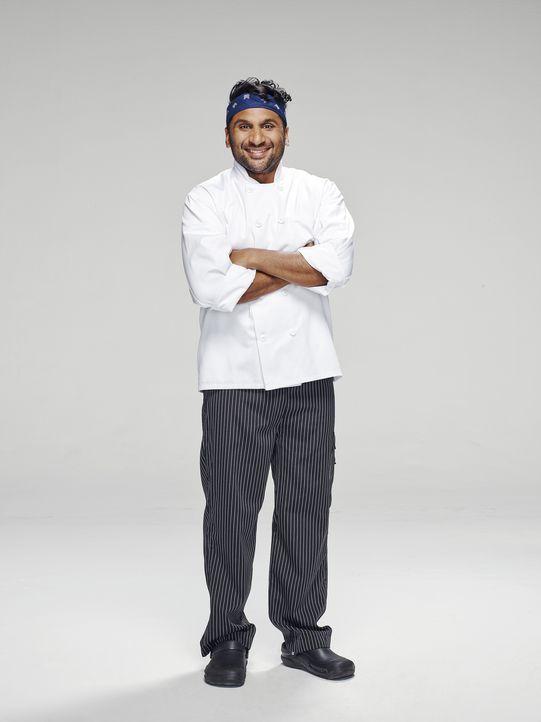 (1. Staffel) - Ravi (Ravi Patel) arbeitet als Koch in Jimmys Restaurant und beobachtet gespannt dessen Wandlung vom Playboy zum verantwortungsvollen... - Bildquelle: Tommy Garcia ABC Studios