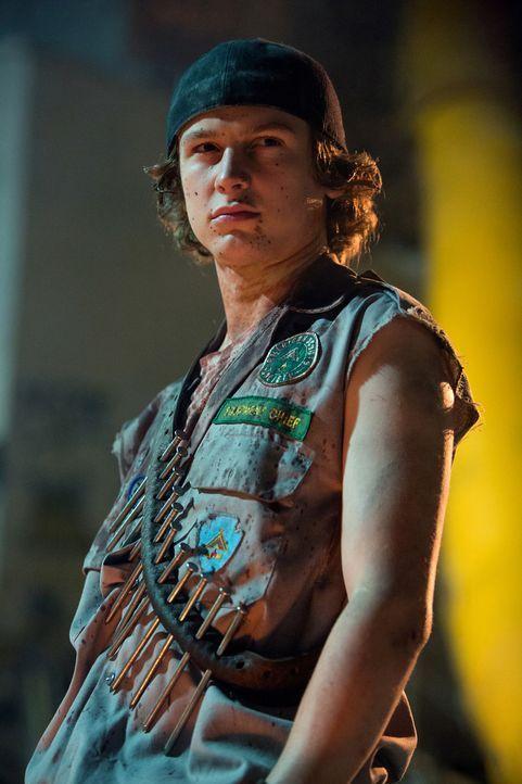 Kann Carter (Logan Miller) seine Schwester in Sicherheit bringen, bevor die Zombies kommen? - Bildquelle: Jamie Trueblood 2015 Paramount Pictures. All Rights Reserved.
