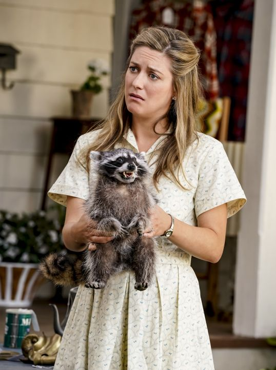 Mary (Zoe Perry) - Bildquelle: Cliff Lipson 2018 CBS Broadcasting, Inc. All Rights Reserved./Cliff Lipson