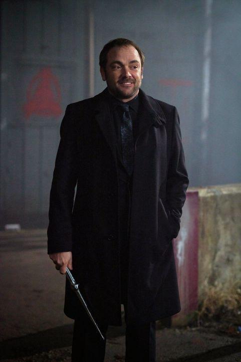 Crowley (Mark Sheppard) wird nicht aufgeben, doch der Himmel auch nicht ... - Bildquelle: Warner Bros. Television