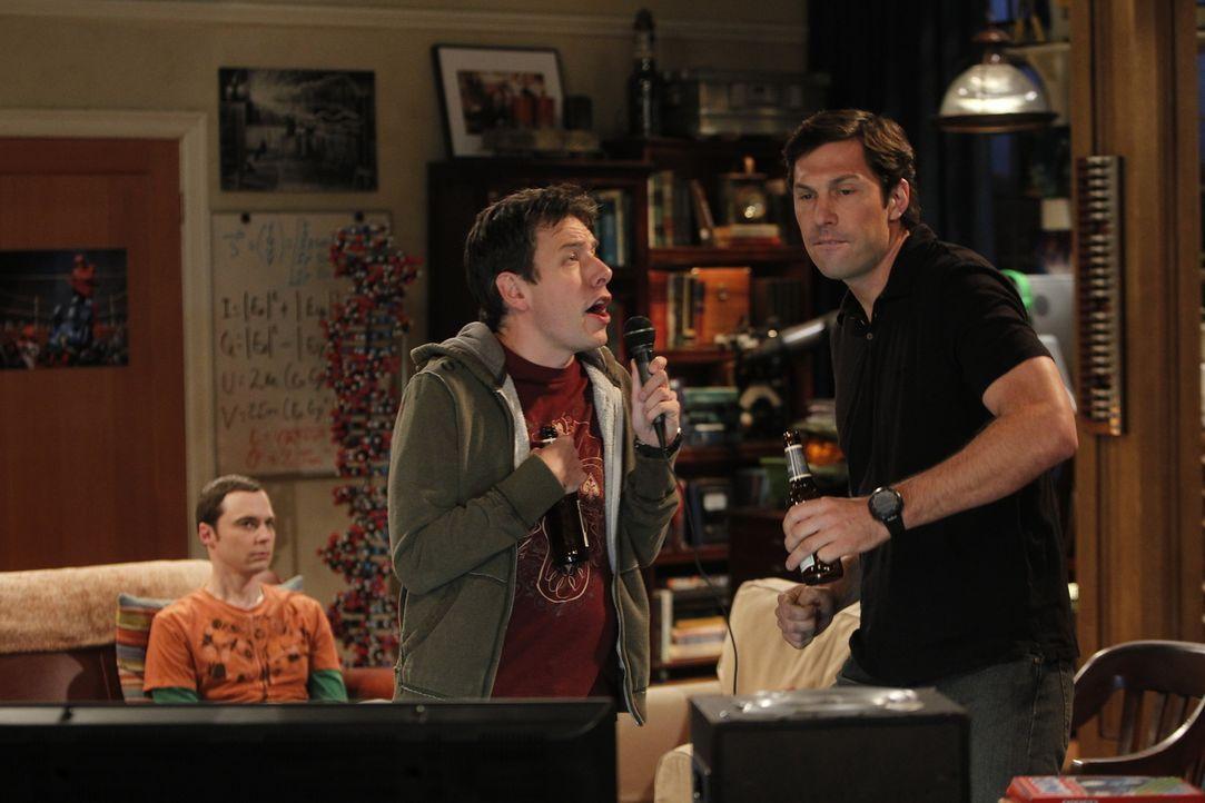 Sheldon (Jim Parsons, l.) will sich neue Freunde suchen und lädt deshalb Stuart aus dem Comicbuchladen, Kripke (John Ross Bowie, M.) von der Uni und... - Bildquelle: Warner Bros. Television