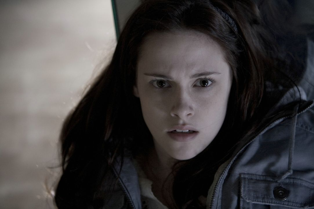 Im Visier bitterböser Vampire: Bella (Kristen Stewart) ... - Bildquelle: 2008 Summit Entertainment, LLC All Rights Reserved