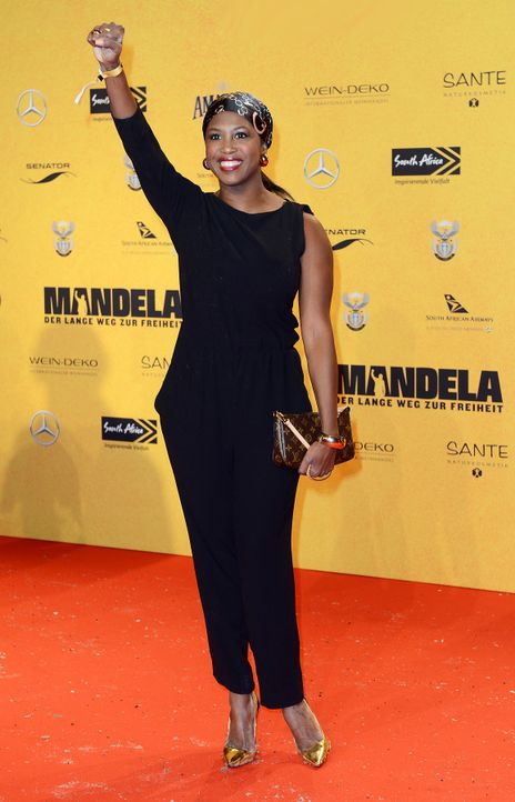 Premiere-Mandela-Motsi-Mabuse-14-01-28-dpa - Bildquelle: dpa