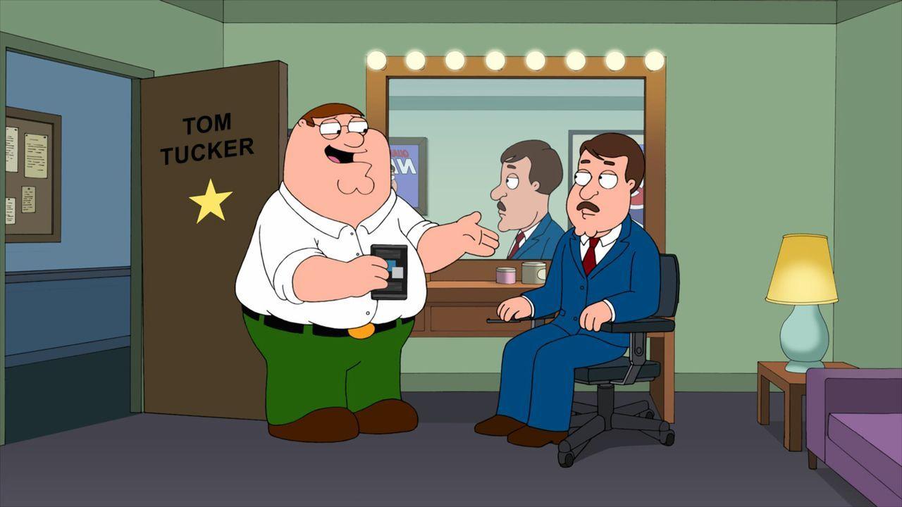 Als Peter (l.) erfährt, dass Tom Tucker (r.) in seinem Lieblingsfilm unter falschem Namen mitgespielt hat, will er ihn zu einem Comeback überreden .... - Bildquelle: 2011 Twentieth Century Fox Film Corporation. All rights reserved.