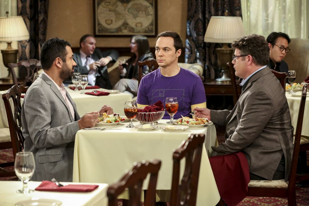 (v.l.n.r.) Dr. Kevin Campbell (Kal Penn); Sheldon Cooper (Jim Parsons); Dr. Greg Pemberton (Sean Astin) - Bildquelle: Michael Yarish 2018 WBEI. All rights reserved. / Michael Yarish