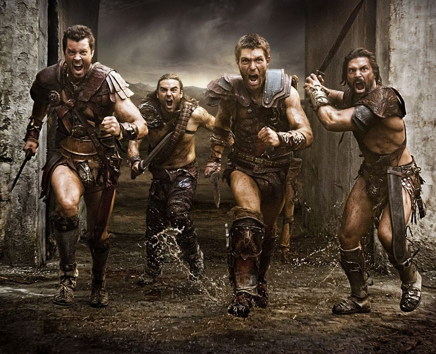 Nach und nach können (v.l.n.r.) Agron (Daniel Feuerriegel), Gannicus (Dustin Clare), Spartacus (Liam McIntyre) und Crixus (Manu Bennett) immer mehr... - Bildquelle: 2012 Starz Entertainment, LLC. All rights reserved.