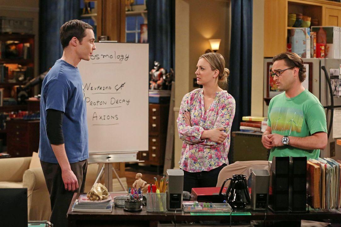 Um Sheldon (Jim Parsons, l.) auf andere Gedanken zu bringen, beschließen Penny (Kaley Cuoco, M.) und Leonard (Johnny Galecki, r.), etwas Spontanes m... - Bildquelle: Warner Brothers
