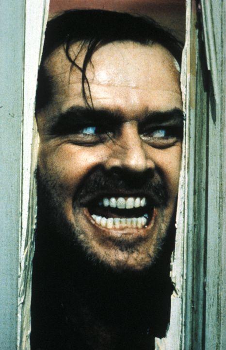 Jack (Jack Nicholson) steht unter dem Zwang, eine Bluttat, die vor vielen Jahren in dem Hotel geschah, an seiner eigenen Familie zu wiederholen und... - Bildquelle: Warner Bros.
