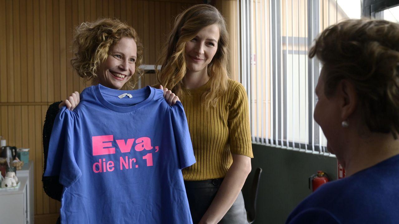 Renate Kimmlinger (Mira Partecke, l.); Eva Jordan (Katrin Bauerfeind, r.) - Bildquelle: Christiane Pausch ProSieben / Christiane Pausch