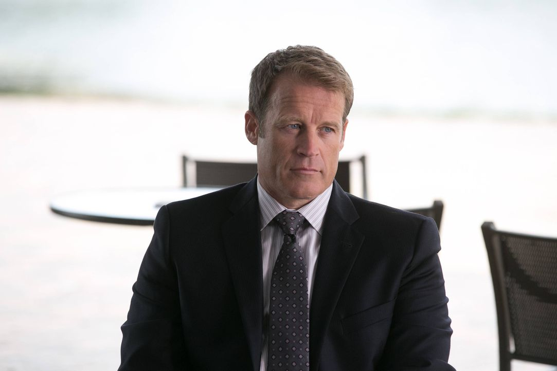 Wird sein Geheimnis auffliegen? CIA Director Widener (Mark Valley) ... - Bildquelle: 2013-2014 NBC Universal Media, LLC. All rights reserved.