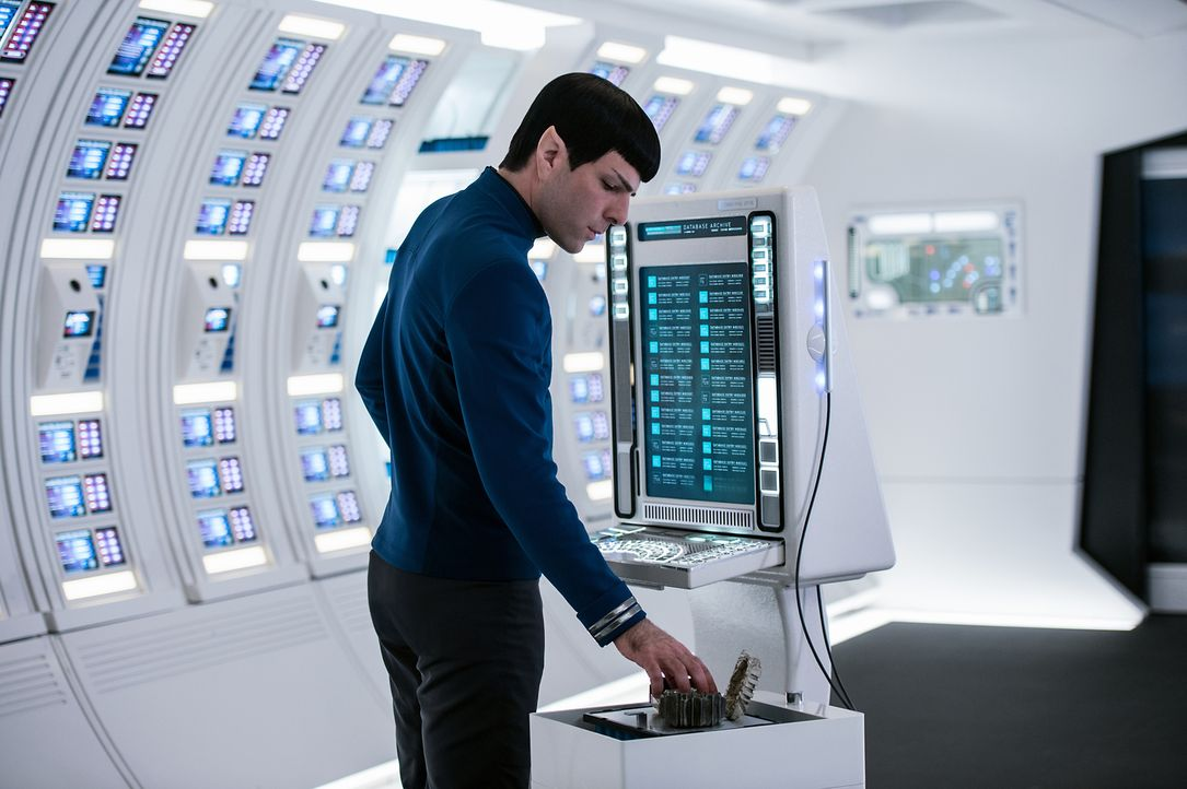 Noch ahnt Spock (Zachary Quinto) nicht, dass schon bald weitaus mehr Mitglieder der Sternenflotte in Gefahr sein werden, als die Besatzung der Enter... - Bildquelle: Kimberley French 2016 Paramount Pictures. STAR TREK and related marks and logos are trademarks of CBS Studios Inc.