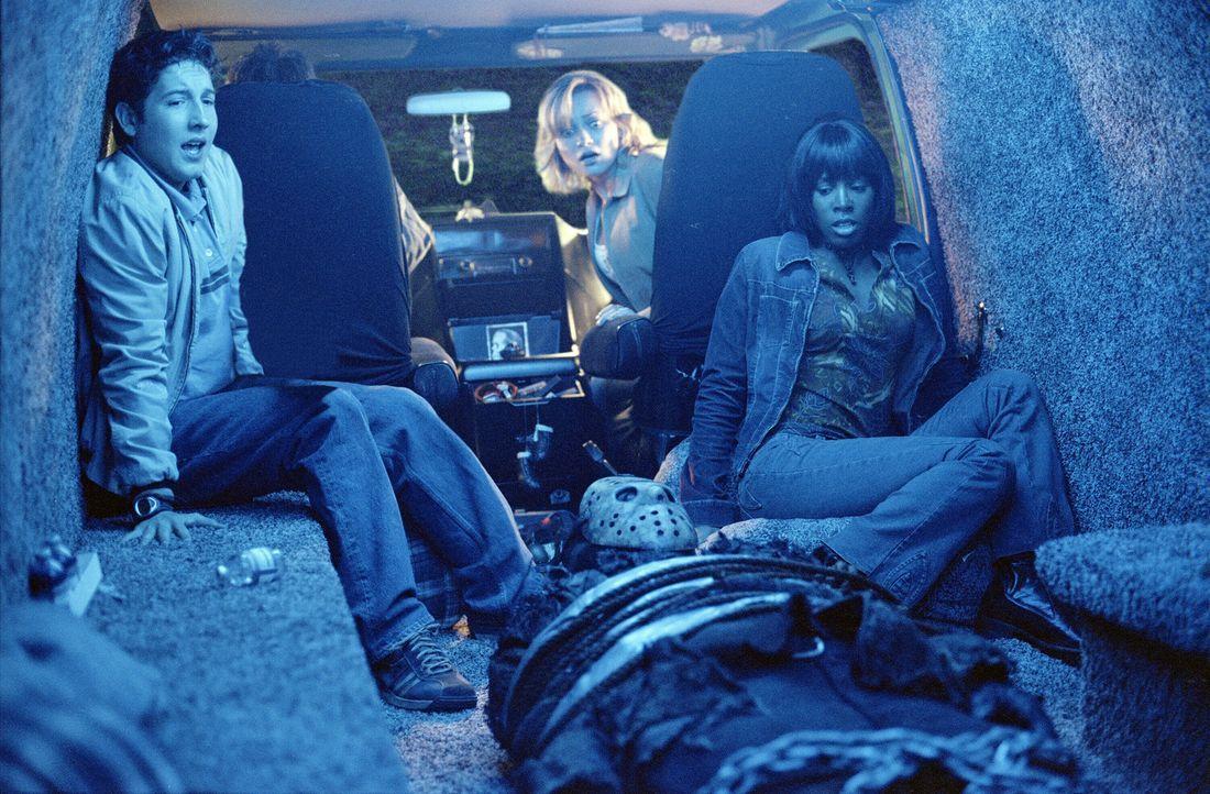 Seit Jahren ist der Geist des Kindermörders Freddy Krueger aus den Träumen der Teenager von Springwood verschwunden. Doch dann taucht Jason Voorhe... - Bildquelle: Warner Bros. Pictures