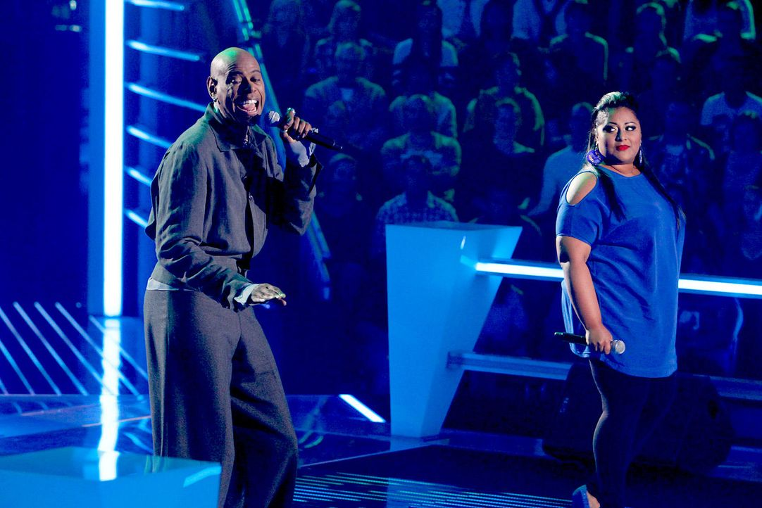 battle-michelle-vs-dennis-06-the-voice-of-germany-richard-huebnerjpg 1700 x 1134 - Bildquelle: SAT1/ProSieben/Richard Hübner