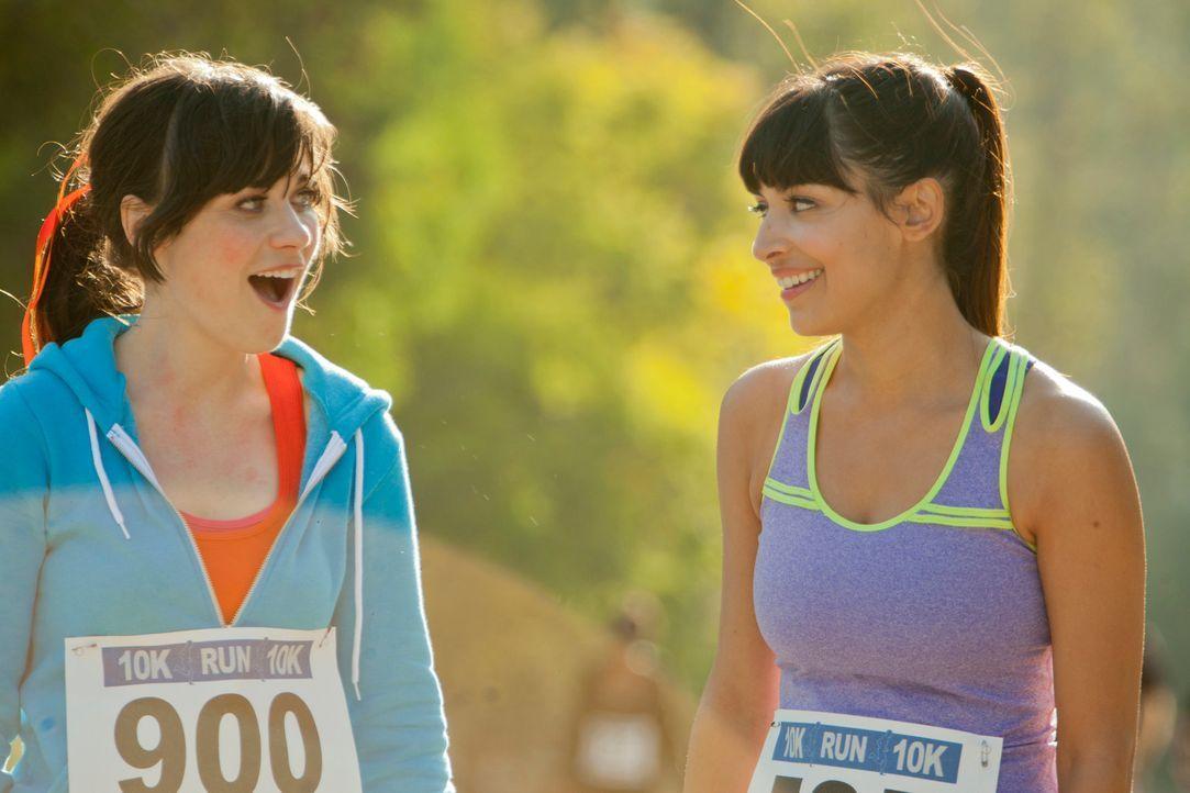 Ihre Freundschaft wird auf eine harte Probe gestellt: Jess (Zooey Deschanel, l.) und Cece (Hannah Simone, r.) ... - Bildquelle: 20th Century Fox