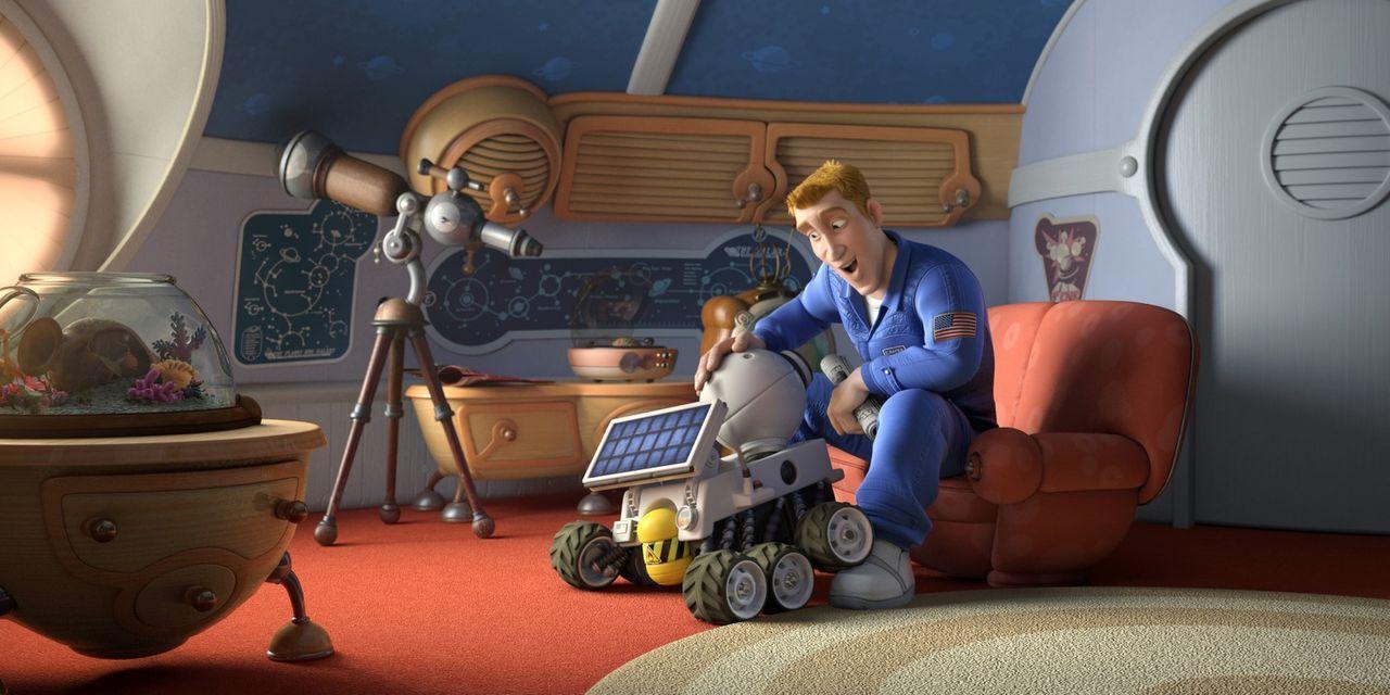 Mit der Hilfe seines Roboterkameraden Rover (l.) und seinem neuen Freund Lem, muss sich Chuck (r.) seinen Weg durch die schillernde und verwirrende... - Bildquelle: 2009 Columbia TriStar Marketing Group, Inc.  All Rights Reserved.