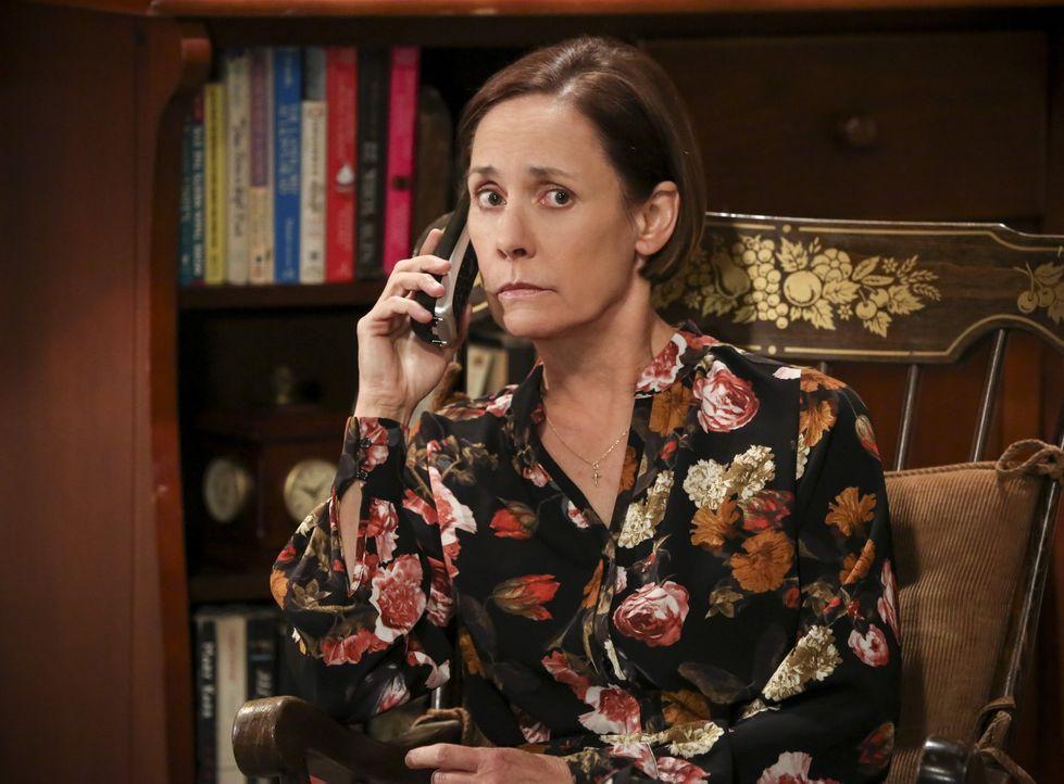 Sheldon sucht krampfhaft nach einem neuen Projekt, doch als ihm einfach nichts einfallen will, nutzt er seine Zeit tatsächlich, um mit seiner Mutter... - Bildquelle: Warner Bros. Television