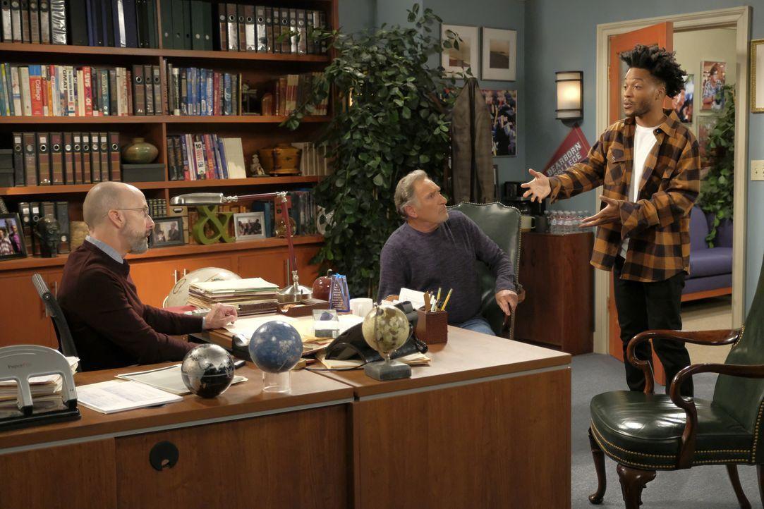 (v.l.n.r.) Mr. Mathers (Jim Rash); Arthur (Judd Hirsch); Franco (Jermaine Fowler) - Bildquelle: Adam Rose 2017 CBS Broadcasting, Inc. All Rights Reserved.