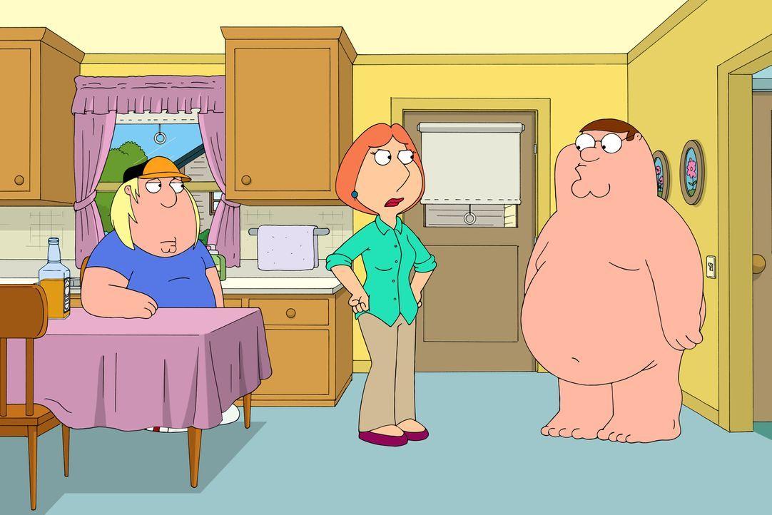 Als Peter (r.) wegen seiner Sportwette Chris (l.) überzeugen will, absichtlich zu verlieren, rastet Lois (M.) aus ... - Bildquelle: 2016-2017 Fox and its related entities.  All rights reserved.
