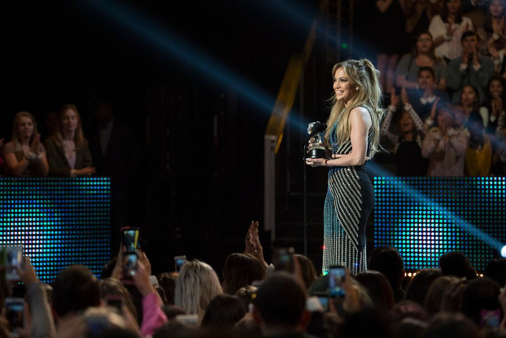 Radio-Disney-Music-Awards-150426-17-DISNEY-CHANNEL