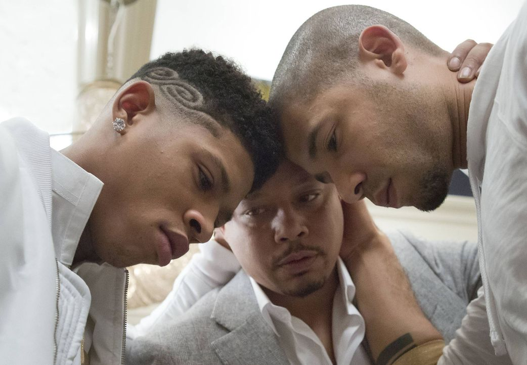 Der gemeinsame Auftritt von Hakeem (Bryshere Y. Gray, l.) und Jamal (Jussie Smollett) ist enorm wichtig für Empire Records. Vater Lucious (Terrence... - Bildquelle: 2015 Fox and its related entities.  All rights reserved.
