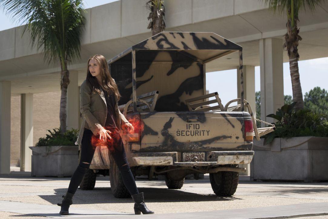 Wanda Maximoff alias Scarlet Witch (Elizabeth Olsen) - Bildquelle: Zade Rosenthal 2014 MVLFFLLC. TM &   2014 Marvel. All Rights Reserved. / Zade Rosenthal