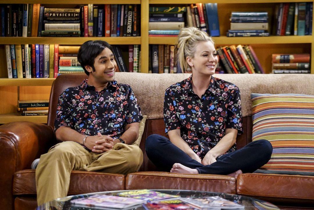 Seitdem sie in derselben Wohnung leben, wachsen Penny (Kaley Cuoco, r.) und Raj (Kunal Nayyar, l.) nicht nur modisch immer mehr zusammen ... - Bildquelle: 2016 Warner Brothers