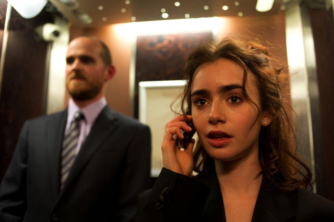 Eigentlich will Rosie (Lily Collins) zusammen mit Alex nach Boston und dort Hotelmanagement studieren. Doch dann kommt es zu einer Nacht, die alles... - Bildquelle: Constantin Film Verleih GmbH