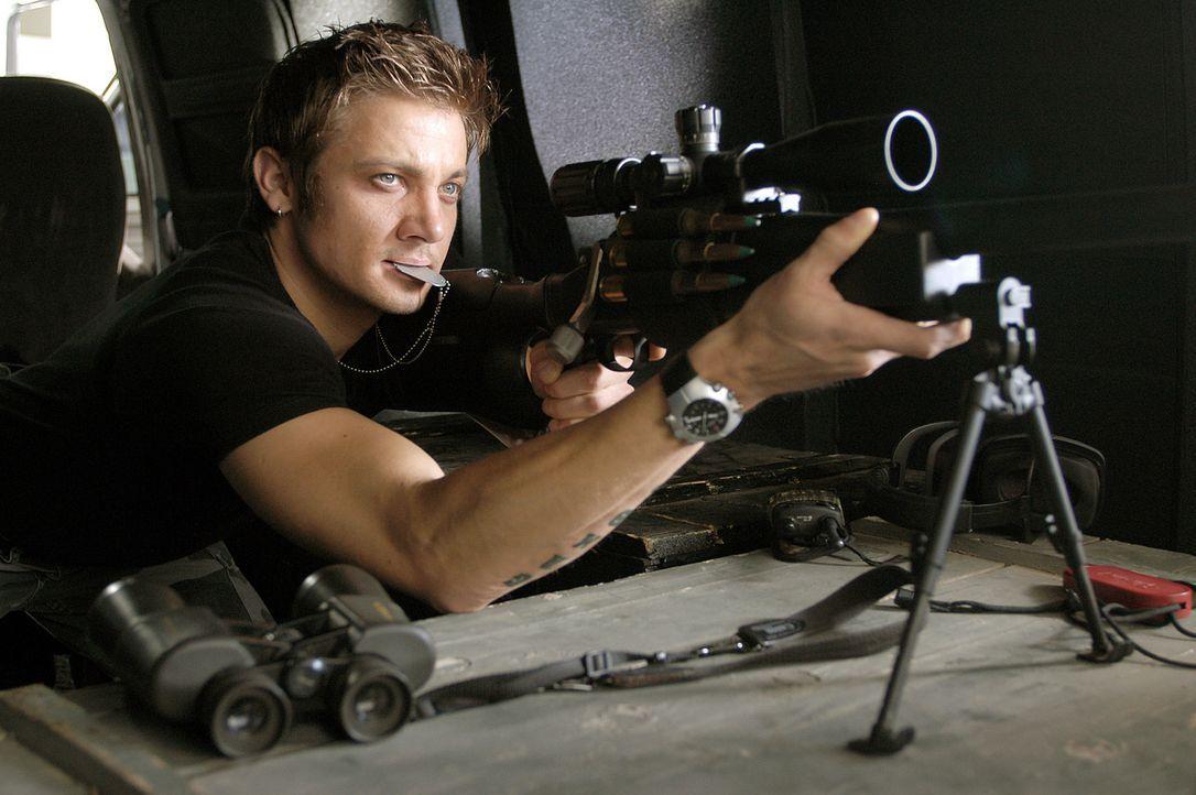 Der verbitterte Brian (Jeremy Renner) ist immer für eine Überraschung gut ... - Bildquelle: 2004 Sony Pictures Television International. All Rights Reserved.