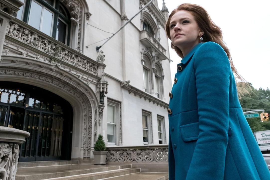 Offenbart ihre wahre Identität und bringt dabei ihre Freunde in Schwierigkeiten: Ivy Pepper (Maggie Geha) ... - Bildquelle: Warner Brothers