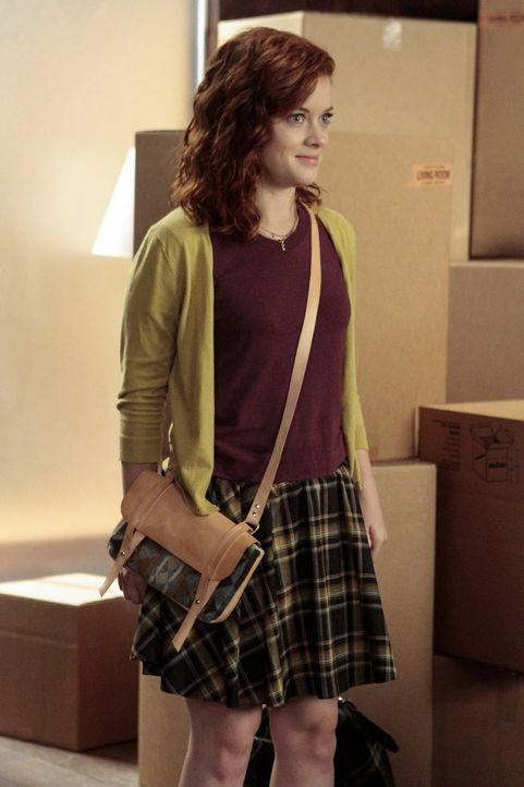 Tessas (Jane Levy) Mutter hat sich aus dem Staub gemacht, und so kehrt sie zurück zu George ... - Bildquelle: Warner Brothers