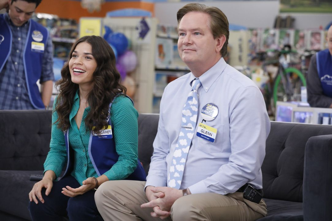 Amy (America Ferrera, l.); Glenn (Mark McKinney, r.) - Bildquelle: Trae Patton 2016 Universal Television LLC. ALL RIGHTS RESERVED. / Trae Patton