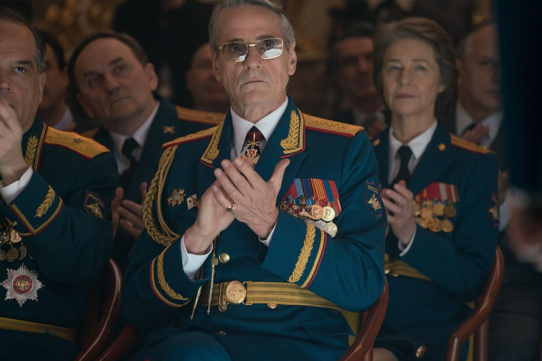 General Korchnoi (Jeremy irons) - Bildquelle: Murray Close 2018 Twentieth Century Fox Film Corporation.  All rights reserved. / Murray Close