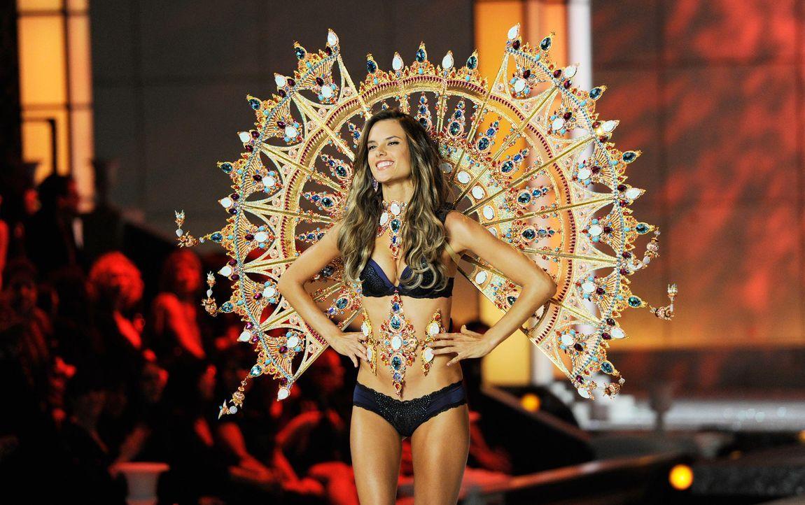 victoria-secret-fashion-show-2011-09-alessandra-ambrosio-afpjpg 1900 x 1193 - Bildquelle: AFP