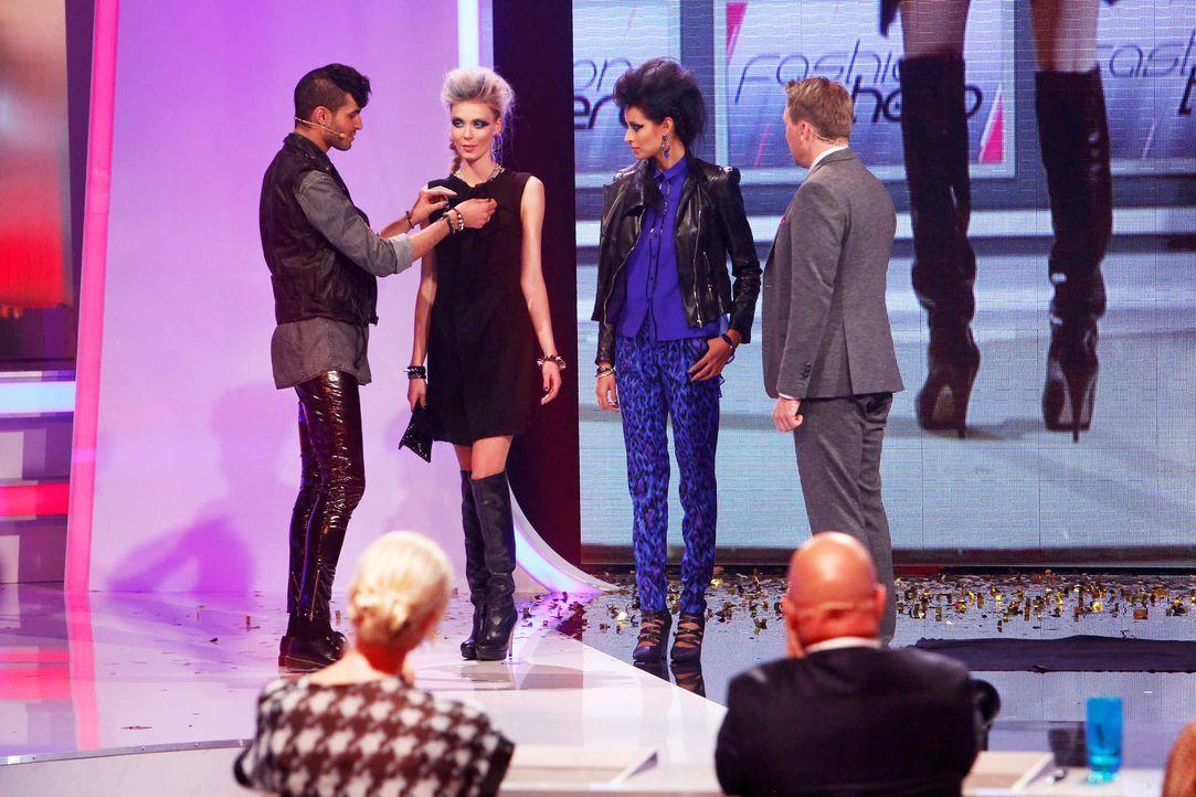 Fashion-Hero-Epi07-Gewinneroutfits-Rayan-Odyll-s-Oliver-07-Richard-Huebner - Bildquelle: Richard Huebner