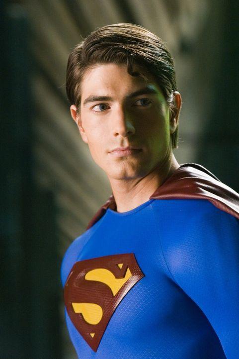 Superman (Brandon Routh) kehrt nach Metropolis zurück. Dort muss er leidvoll erkennen, dass sich vieles verändert hat ... - Bildquelle: Warner Brothers International Television Distribution Inc.