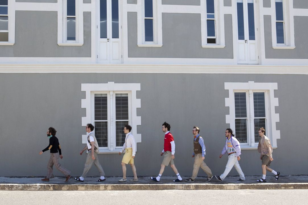 (v.l.n.r.) Helge, Sven, Cedric, Michael, Kevin, Frank und Marius ziehen gemeinsam mit acht hübschen Frauen für vier Wochen in eine Villa in Südaf... - Bildquelle: Charlie Sperring ProSieben