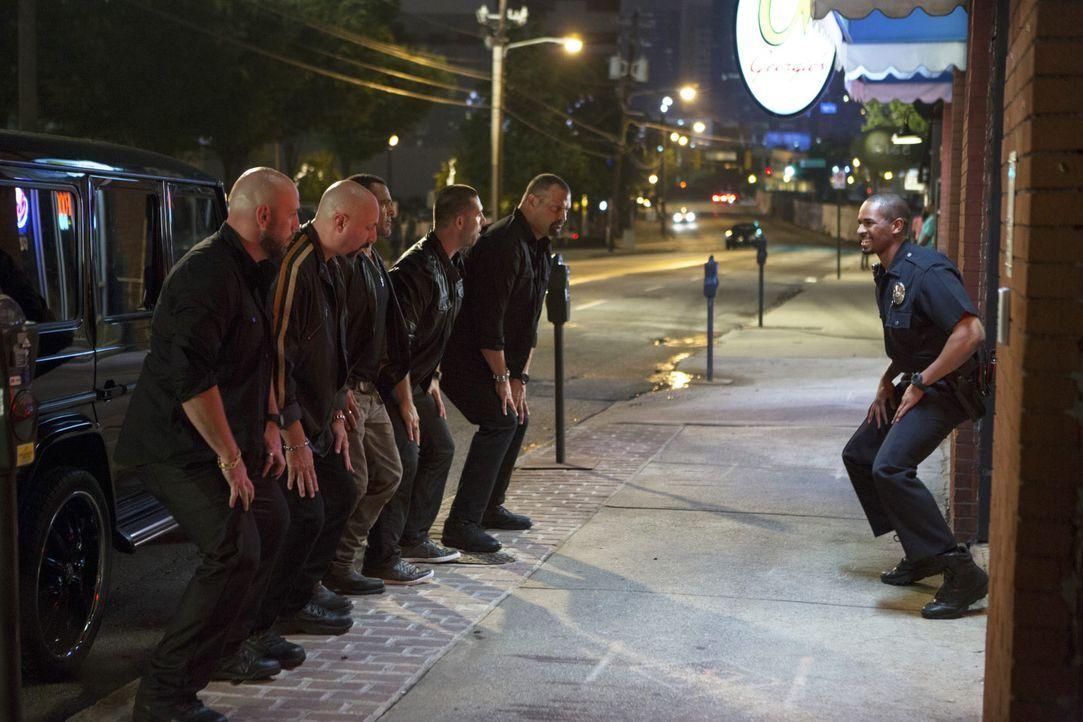 Lets-be-Cops-15-2014Twentieth-Century-Fox