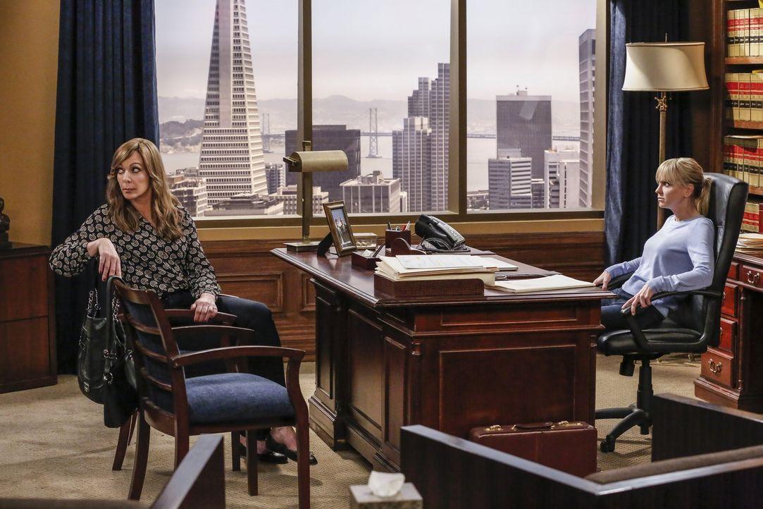 Bonnie (Allison Janney, l.) setzt alles daran heil aus ihren Problemen mit der Steuerbehörde zu kommen, aber Christy (Anna Faris, r.) wird schnell k... - Bildquelle: 2016 Warner Bros. Entertainment, Inc.