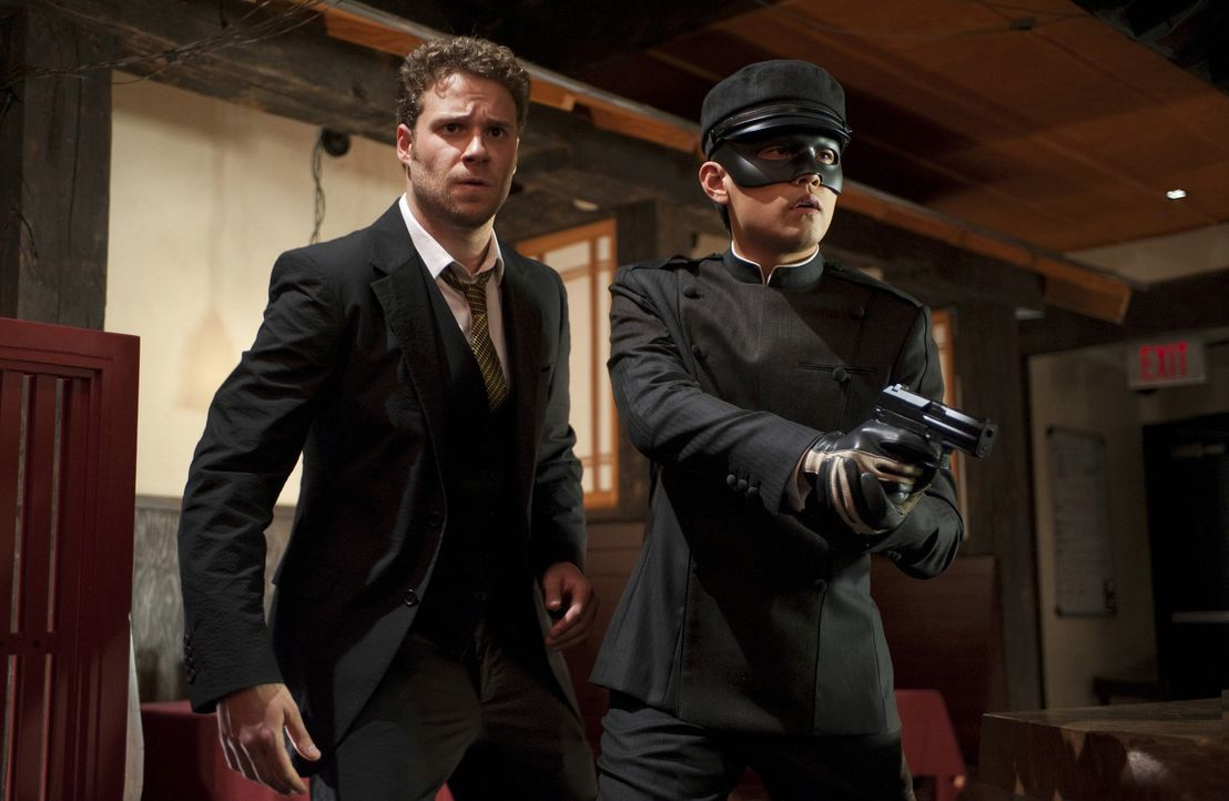 "Als ""The Green Hornet"" nehmen sich Britt (Seth Rogen, l.) und Kato (Jay Chou, r.) der fiesesten Verbrecher von L.A. an ... - Bildquelle: Motion Picture   2011 Columbia Pictures Industries, Inc. All Rights Reserved."
