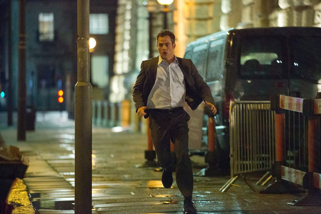 Im Visier russischer Terroristen, die keinerlei Pardon kennen: der neue CIA-Agent Jack Ryan (Chris Pine) ... - Bildquelle: Larry D Horricks MMXIV Paramount Pictures Corporation. All Rights Reserved.