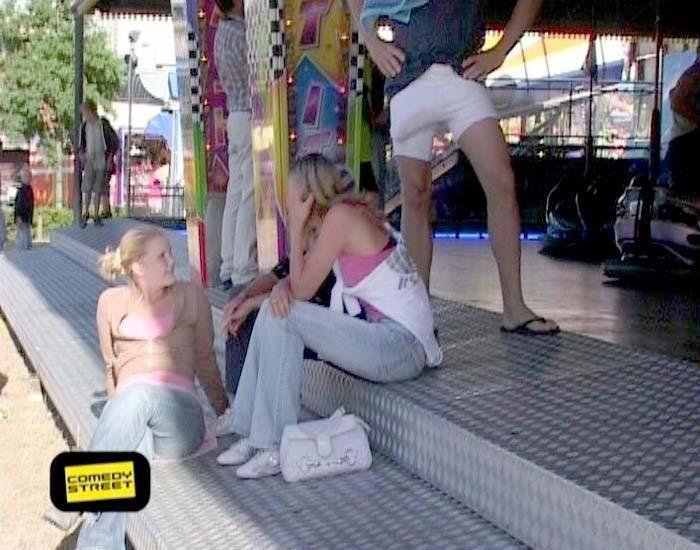 comedystreet-st-04-epi-02-grab-simon-gosejohann-09-prosiebenjpg 700 x 550 - Bildquelle: Guido Ohlenbostel ProSieben