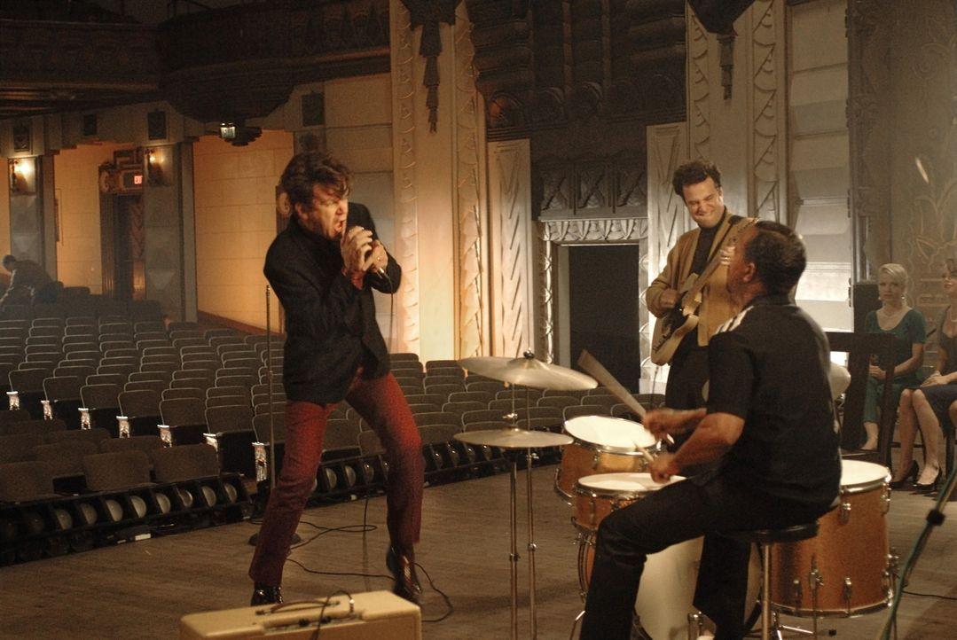 """Dewey Cox (John C. Reilly, l.) und seine Band werden mit dem Hit """"Walk Hard"""" berühmt und erfolgreich ... - Bildquelle: 2007 Columbia Pictures Industries, Inc.  and GH Three LLC. All rights reserved."""