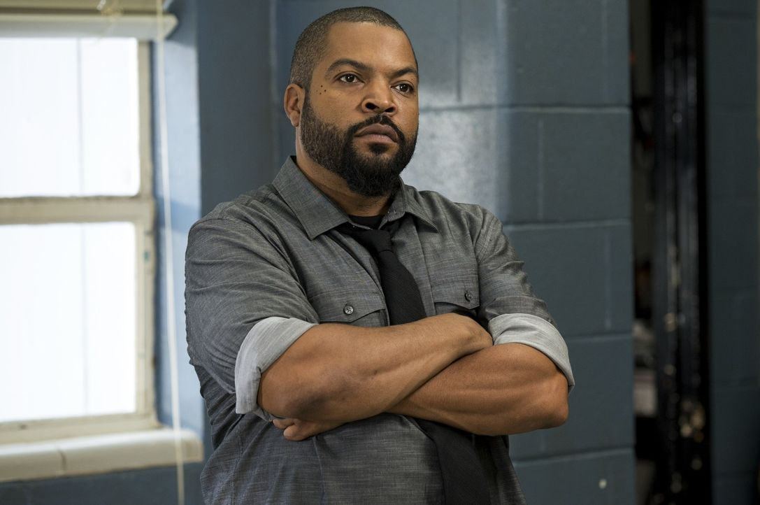Strickland (Ice Cube) - Bildquelle: 2017 Warner Bros. Entertainment Inc., Village Roadshow Films North America Inc. and RatPac-Dune Entertainment LLC. All rights reserved.