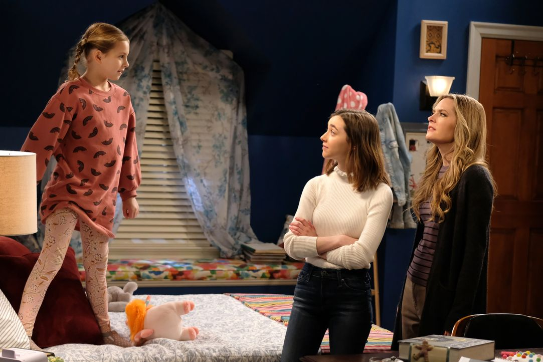 (v.l.n.r.) Leila (Oakley Bull); Nicole (Ashley Boettcher); Kay (Maggie Lawson) - Bildquelle: Ray Mickshaw 2019-2020 Twentieth Century Fox Film Corporation.  All rights reserved / Ray Mickshaw