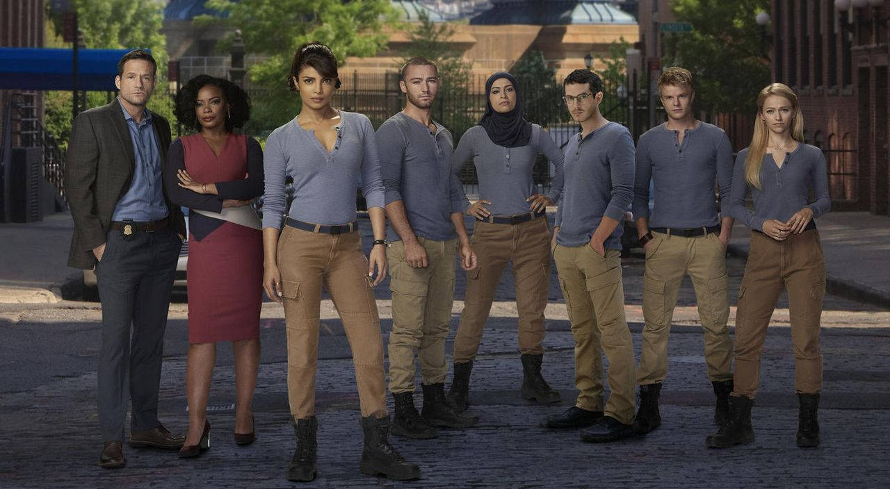 Das Team von Quantico: Liam O'Connor (Josh Hopkins), Miranda Shaw (Aunjanue Ellis), Alex Parrish (Priyanka Chopra), Ryan Booth (Jake McLaughlin)... - Bildquelle: 2015 ABC Studios
