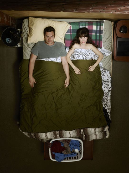 (3. Staffel) - Aus WG-Bewohnern werden Freunde: Nick (Jake Johnson, l.) und Jess (Zooey Deschanel, r.) - Bildquelle: TM &   2013 Fox and its related entities. All rights reserved.