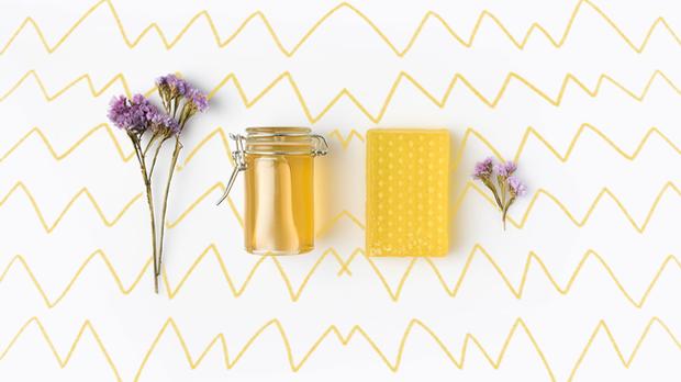 Honig ist bekanntlich ein wahres Beauty-Mittel und in fast jedem Haushalt zu...
