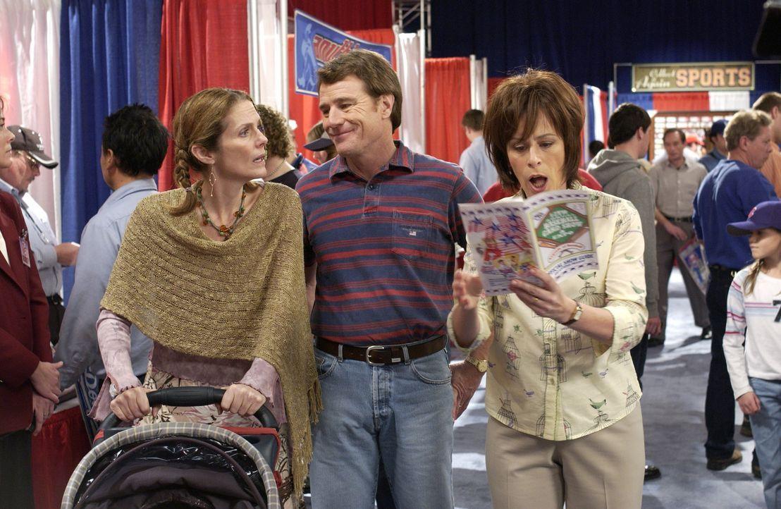Hal (Bryan Cranston, M.) und Lois (Jane Kaczmarek, r.) wollen ihre Freunde glücklich sehen und haben deshalb einen besonderen Plan ... - Bildquelle: TM +   2000 Twentieth Century Fox Film Corporation. All Rights Reserved.
