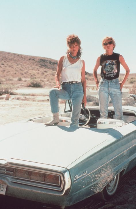 "Thelma und Louise (Geena Davis u. Susan Sarandon) in ""Thelma & Louise"" (1991) - Bildquelle: picture alliance / United Archives 